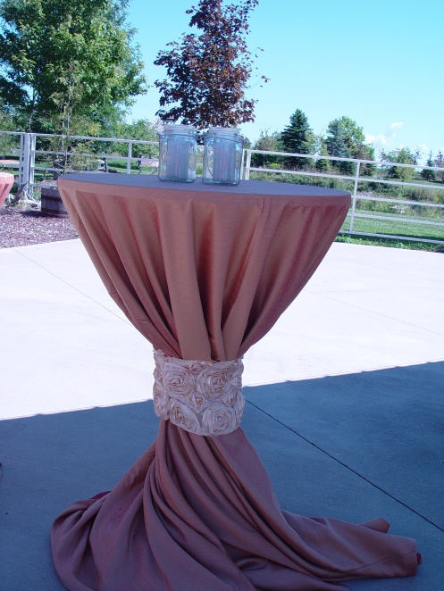 Cruiser table with luxury draping