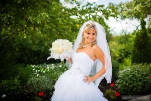 Stunning Dress, Stunning Bride, Stunning Bouquet!