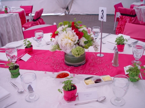 Table setting with flowers and jewels